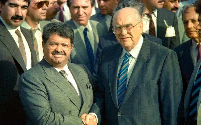 Νταβός 1987: To παρελθόν φωτίζει το μέλλον   Το New Europe Greece ...